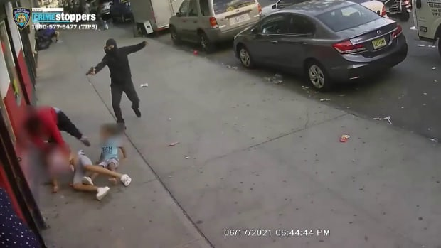 VIDEO: FATHER SHOT IN FRONT OF KIDS ON CITY STREET