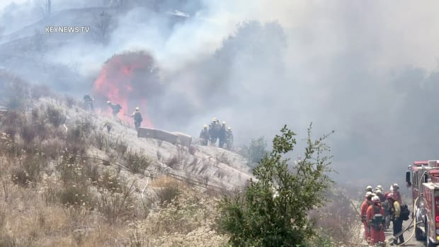 Firefighters Battle Brush Fire in Santa Clarita
