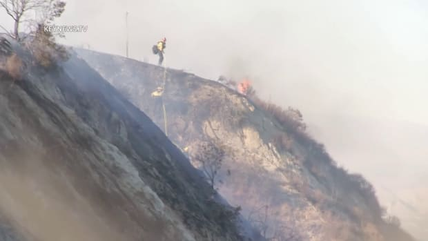 One-Acre Princessa Fire Burns in Santa Clarita