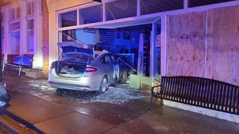 TEENS IN WAXHAW LEAD POLICE ON CHASE AND THEN CRASH INTO BUILDING