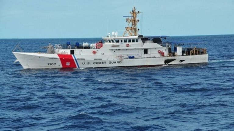 COAST GUARD CATCHES 27 CUBAN MIGRANTS ENTERING USA ON BOAT