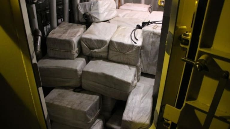2 FISHERMAN FIND $1 MILLION IN COCAINE OFF CAROLINA COAST, GIVES IT TO FEDS