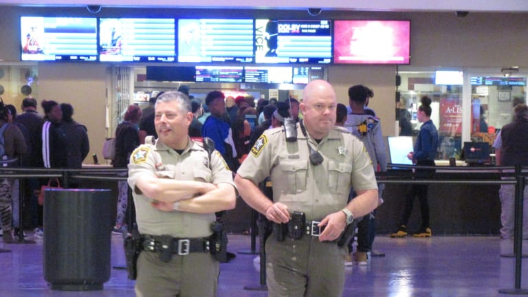 HUGE FIGHT AT CONCORD MILLS MALL FORCES EARLY CLOSING
