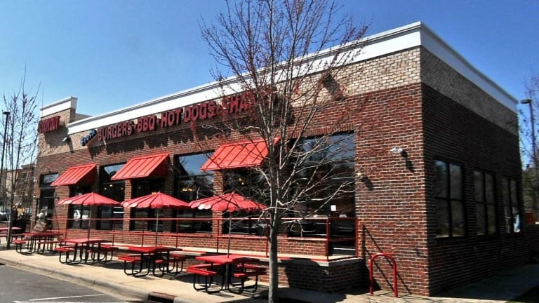 COOK OUT FAST FOOD RESTAURANT GETS 88 HEALTH SCORE, EMPLOYEES NOT WASHING HANDS