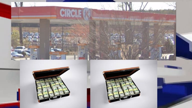CHARLOTTE WOMAN WINS LOTTERY AT CIRCLE K GAS STATION IN UNIVERSITY AREA
