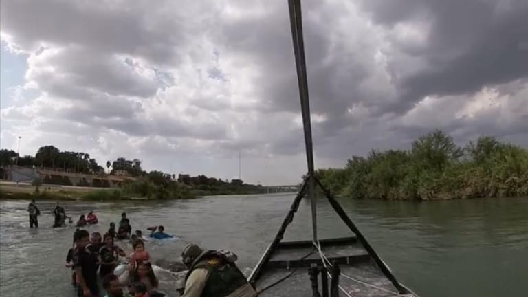 28 ILLEGAL IMMIGRANTS RESCUED FROM THE RIO GRANDE RIVER CROSSING INTO USA