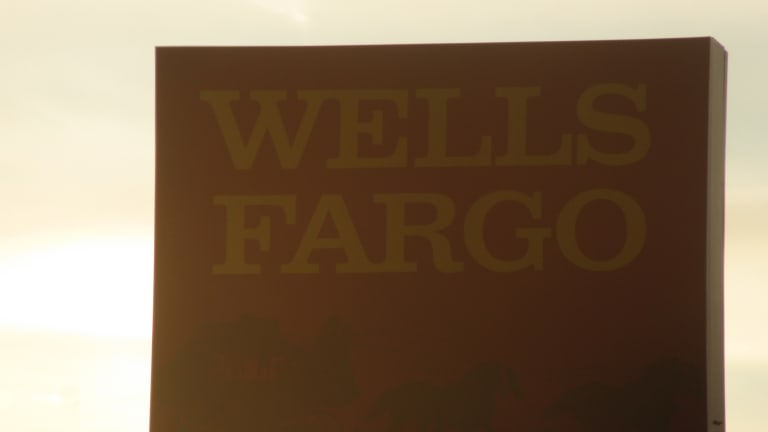 WELLS FARGO AGREES TO PAY $3 BILLION TO RESOLVE CRIMINAL AND CIVIL INVESTIGATION