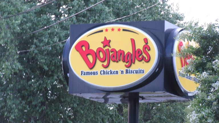 BOJANGLES WORKERS TOUCHED WORN MASKS AND THEN MADE FOOD WITHOUT WASHING HANDS