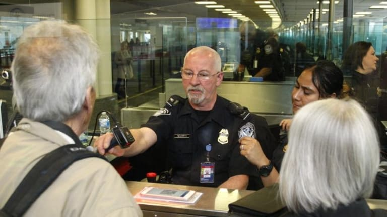 U.S. GOVERNMENT LAUNCHING MOBILE PASSPORT CONTROL AT AMERICAN AIRPORTS