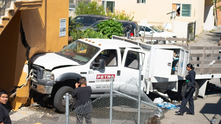 Teen Driver Pursuit Ends in North Hollywood Crash