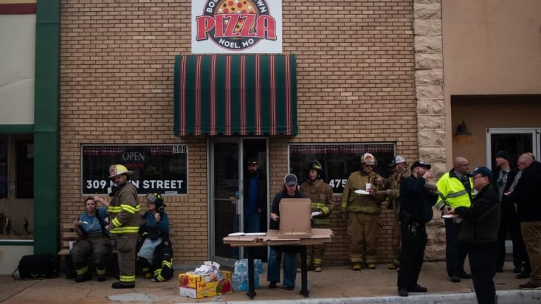 Local Pizza Restaurant Donates Pizzas to First Responders