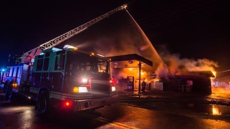 Very Large Fire Destroys Longview Business