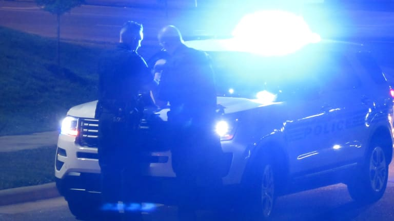 2 SHOT AT APARTMENTS IN SOUTH CHARLOTTE