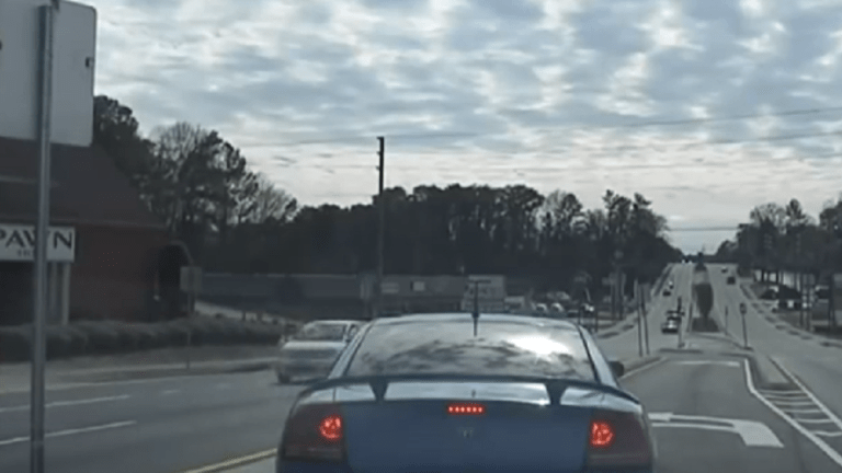 VIDEO: DODGE CHARGER ESCAPES FROM POLICE