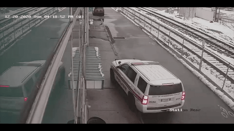 VIDEO: HANDCUFFED INMATE SHOOTS COP IN NECK AND RUNS OFF