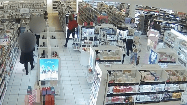 VIDEO: ULTA BEAUTY STORE ROBBED BY SEVERAL THIEVES, $21,000 IN PRODUCT STOLEN