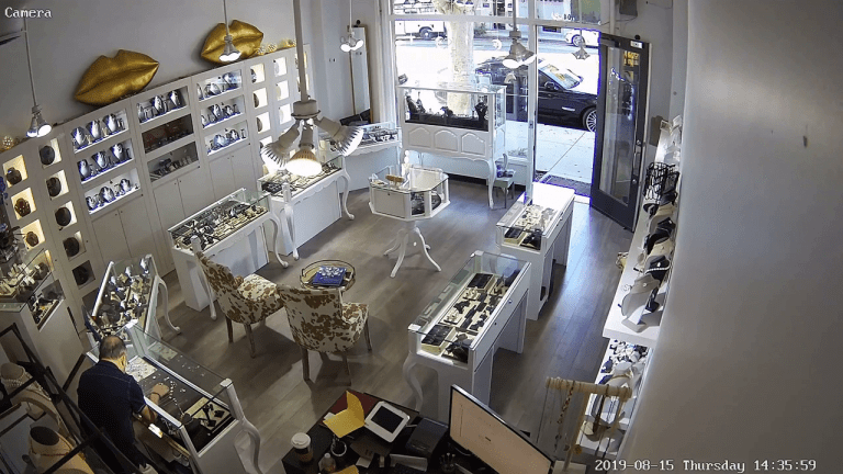 VIDEO: JEWELRY STORE OWNER HIT WITH SLEDGEHAMMER IN SMASH & GRAB ROBBERY