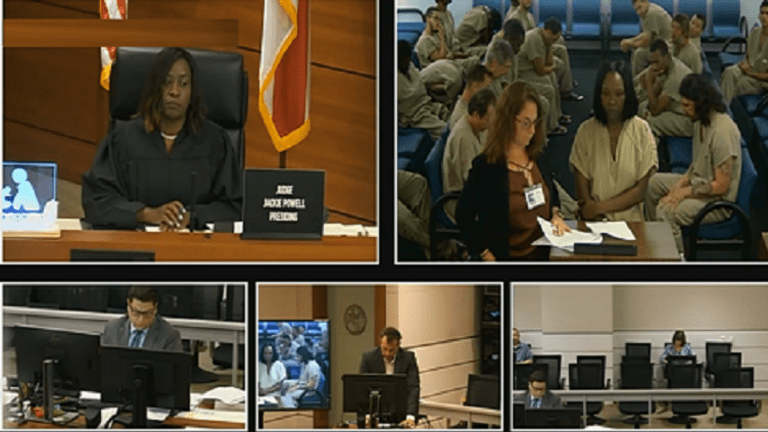 VIDEO: INMATE PUNCHES FEMALE ATTORNEY IN COURT