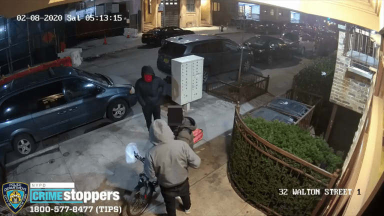 VIDEO: PIZZA DELIVERY MAN STABBED AND BEAT DURING VIOLENT ROBBERY
