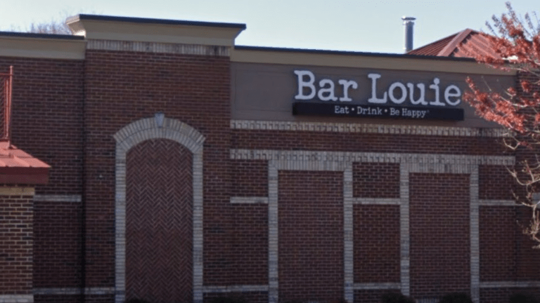 BAR LOUIE HAD SEVERAL DEAD ROACHES DURING INSPECTION, GETS 88.50 HEALTH SCORE