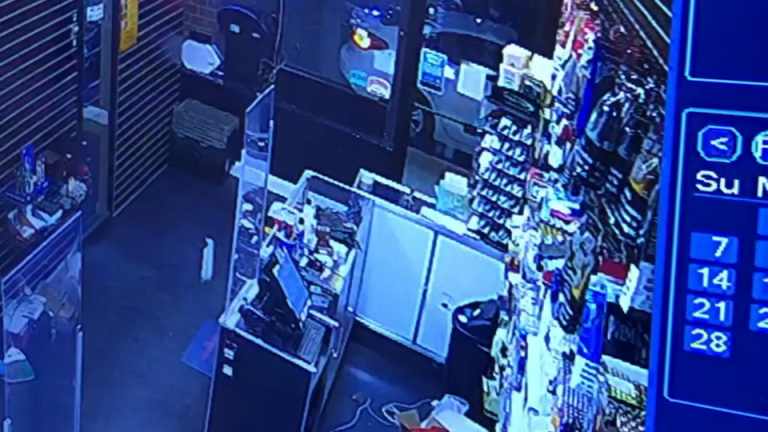 VIDEO: ARMED MASKED MEN ROB VAPE SMOKE SHOP, STEAL CASH AND PRODUCTS
