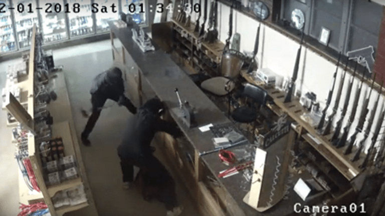 VIDEO: GUN STORE ROBBERY, SUSPECTS WEARING MONKEY MASKS