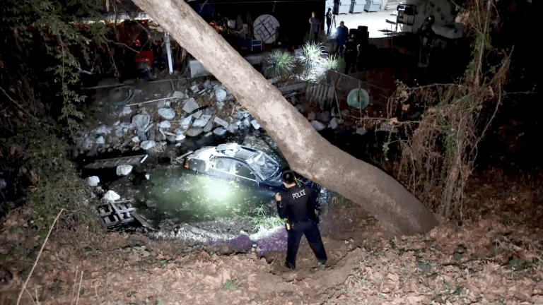 Single Vehicle Lands in Chevy Chase Country Club Pond
