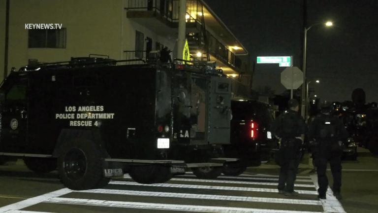 Wilmington Criminal Search Warrant Turns into Barricade