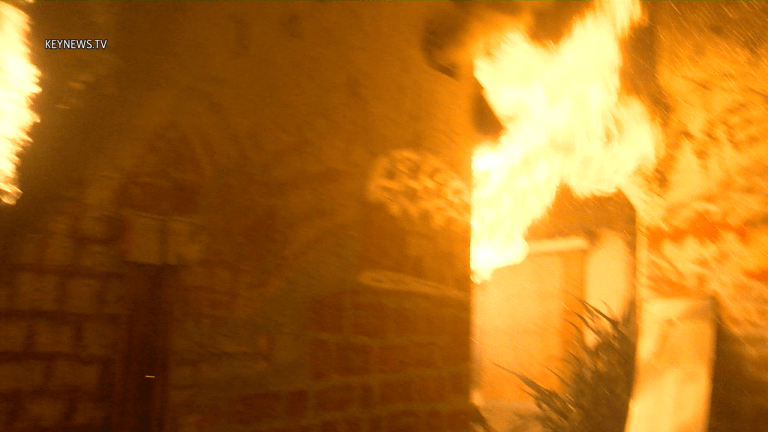 Bungalows Damaged in Hollywood Structure Fire