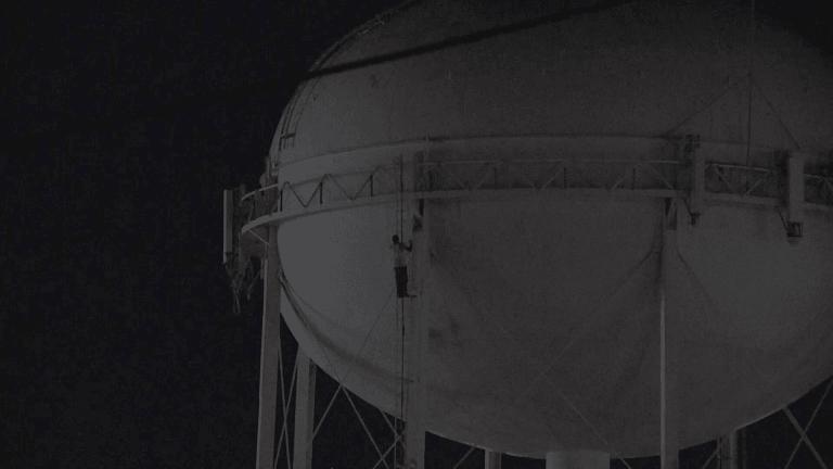 Man Climbs Modesto Water Tower