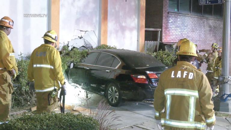 Vehicle Crashes into an Eagle Rock Motel