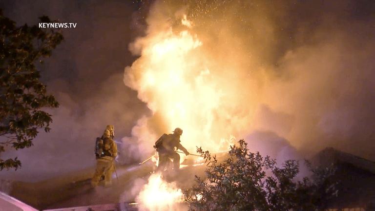 3 People Escape Hyde Park House Fire