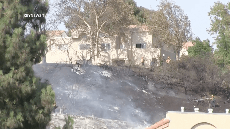 """Firefighters Contain """"Jake Fire"""" at 4.5 Acres in Santa Clarita"""