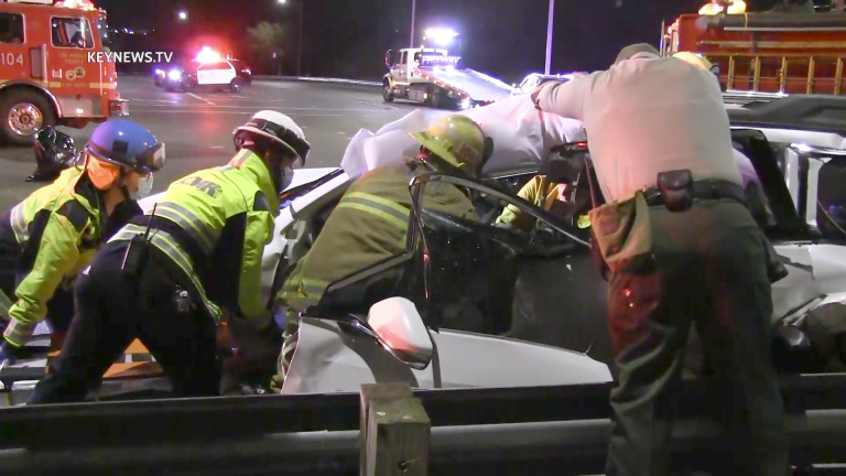 Canyon Country 3-Vehicle Collision Traps 1 Person