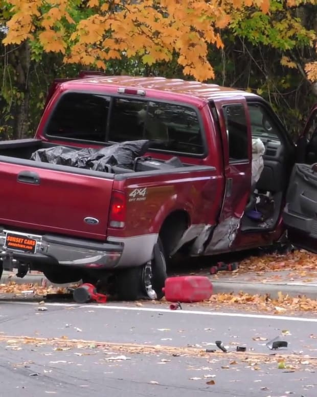 Multi-Vehicle Collision Caused by Fleeing Stolen Vehicle
