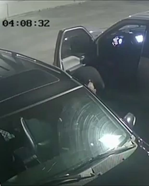 VIDEO STARE YOUR KILLER IN EYES, COLD BLOOD MURDER IN MIAMI PARKING DECK