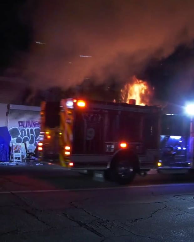 Rubbish Fire Spreads to Commercial Building on San Pedro Street