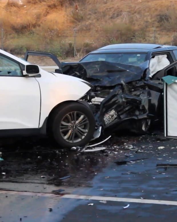 One Killed in 3-Vehicle Canyon Country Collision