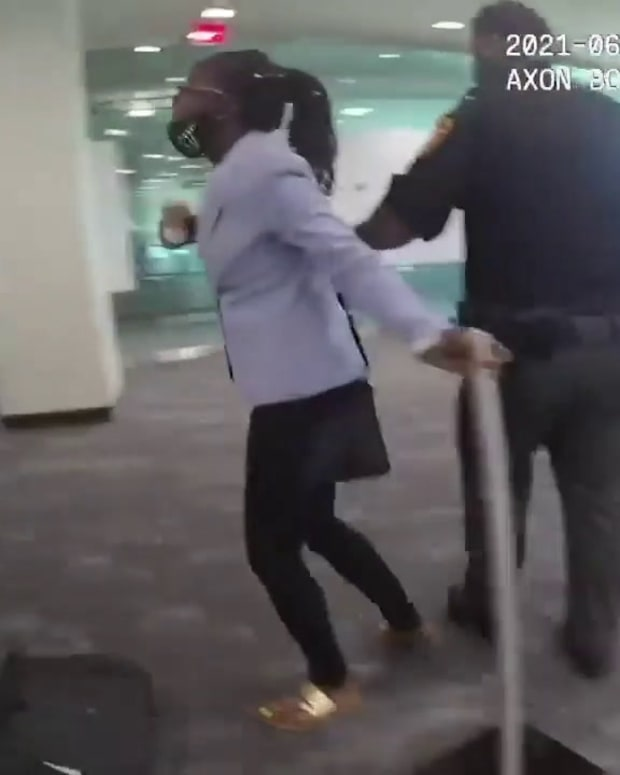 VIDEO: COURT CHOAS, OLYMPIC MEDALIST SIMONE BILES' BROTHER GETS ATTACKED