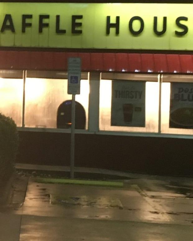 waffle house ET9ZjGBXsAEXrCJ
