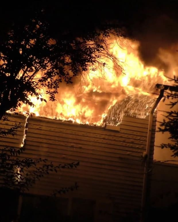 2 Homes Destroyed in Late Night Federal Way Fire