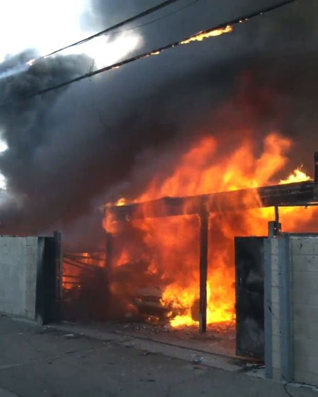 Large Sun Valley Fire Involved Multiple Structures
