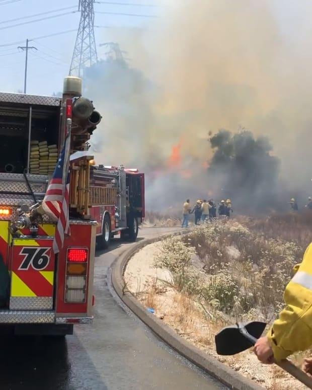 Brush Fire in Santa Clarita Near Sierra Highway