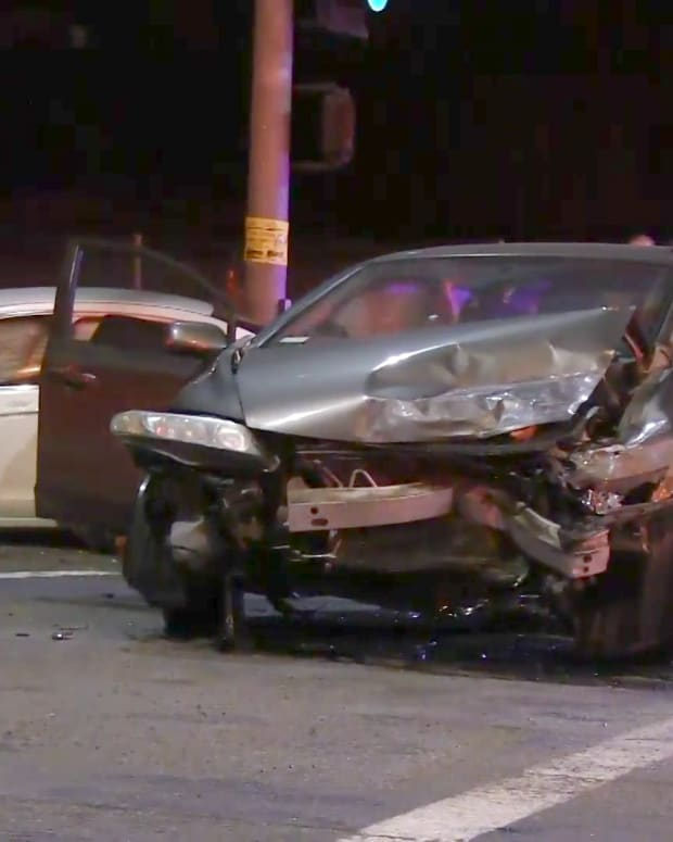 Two People Injured in Santa Clarita Two-Vehicle Collision