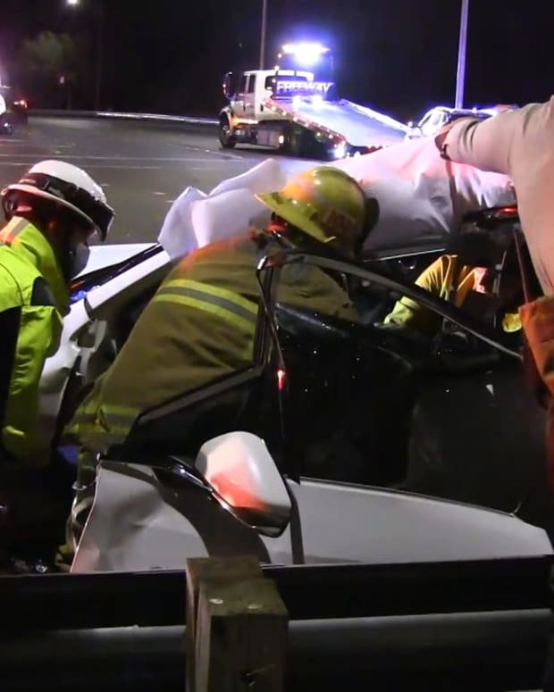 3-Vehicle Collision in Canyon Country Traps 1 Person