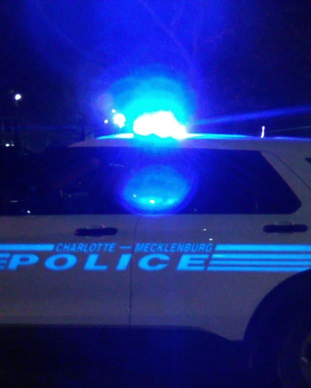 POLICE NIGHT 0000061