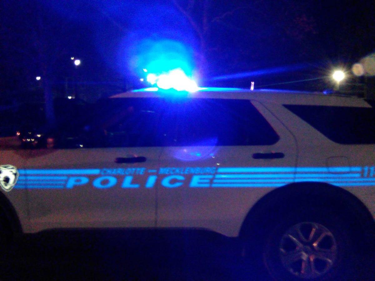 POLICE NIGHT 0000071