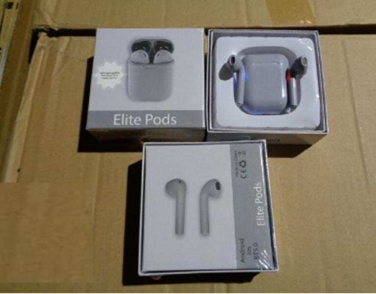 Airpods with seal1